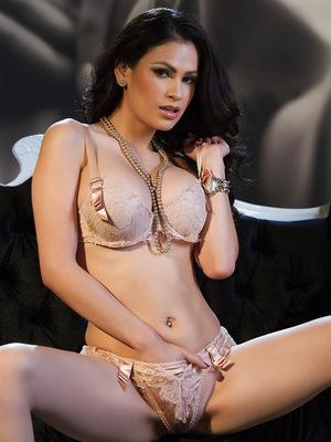 Vanessa Veracruz so sexy...